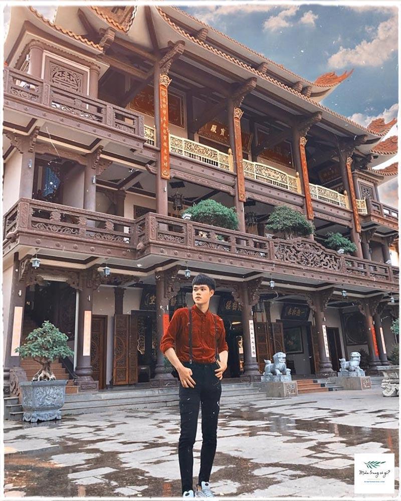 chính điện chùa Thiên Hưng